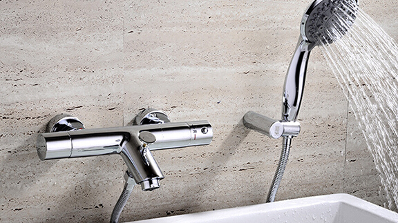 thermostatic bathtub