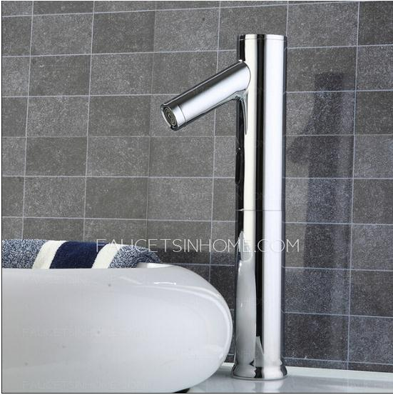 Automatic water sensing touchless faucet