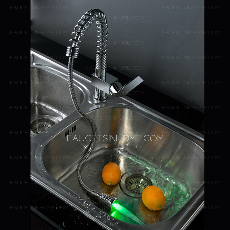 Convenient Pullout Spray Rotatable Led Kitchen Sink Faucet