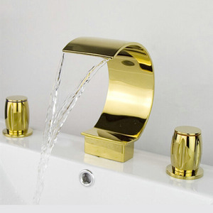 Cool Gold Waterfall Three Hole Roman Bathtub Faucet