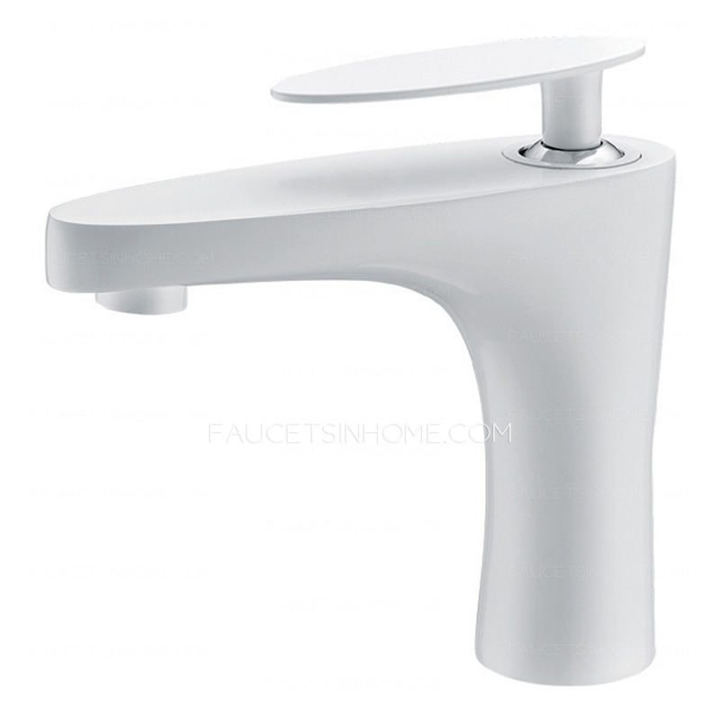 Designed White Painting Flat Single Handle Sink Faucet