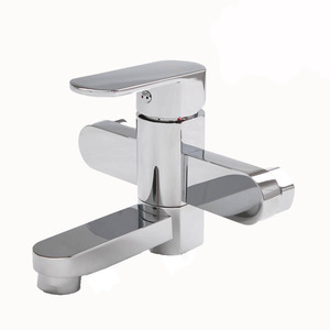 Decorated Electroplated Two Holes Wall Mount Bathtub Faucets