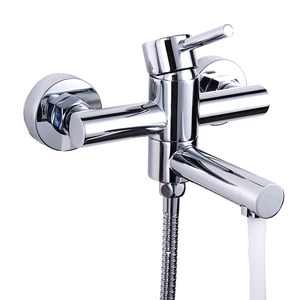 Rotatable Bathtub Faucet Dripping Chrome Finish