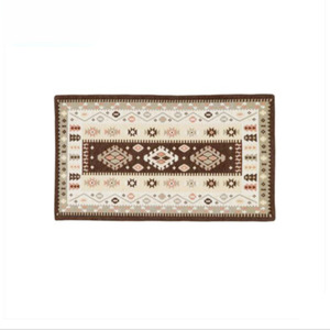 Traditional Jacquard 23.6*43.3 Inch Polyester Bathroom Rug