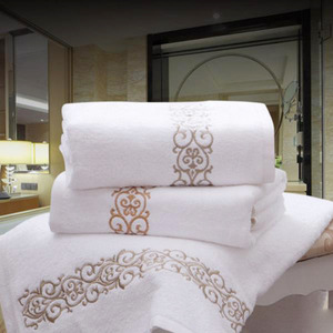 31.5*55 Inch Pure Cotton Embroidery Bath Towel One Piece