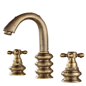 Short Three Hole Two Handles Brass Bathroom Sink Faucet